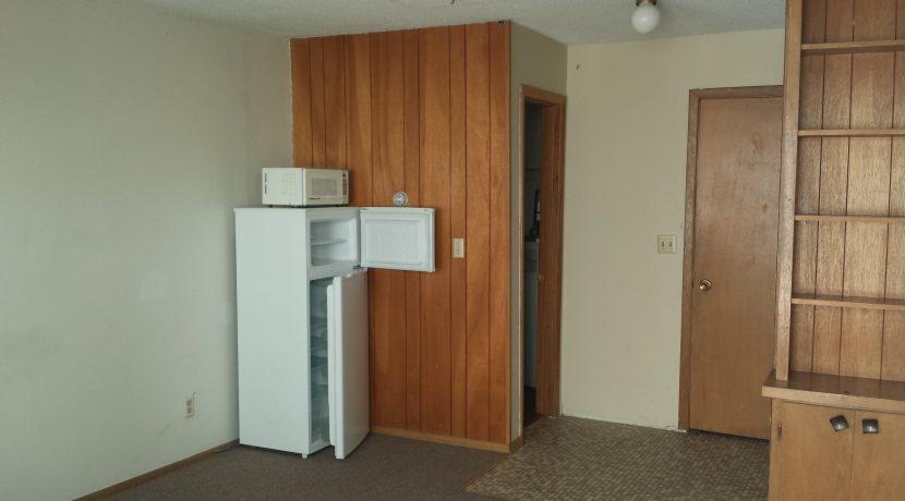 interior_634-s-johnson-st_iowa-city_j-and-j-apartments