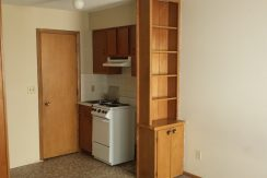 kitchen_634-south-johnson-street_iowa-city_j-and-j-apartments