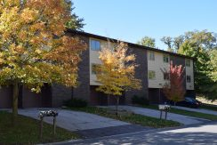 1015F-oakcrest-street_iowa-city_j-and-j-apartments.jpg