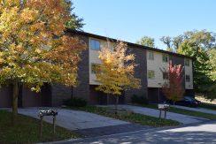 1015F-oakcrest-street_iowa-city_j-and-j-apartments.jpg