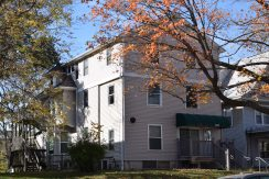 611-clinton-street_iowa-city_j-and-j-apartments
