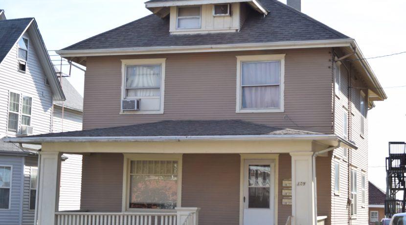 109-prentiss-street_iowa-city_j-and-j-apartments