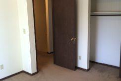bedroom_2417-petsel_iowa-city_j-and-j-apartments