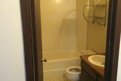full-bath_2417-petsel_iowa-city_j-and-j-apartments