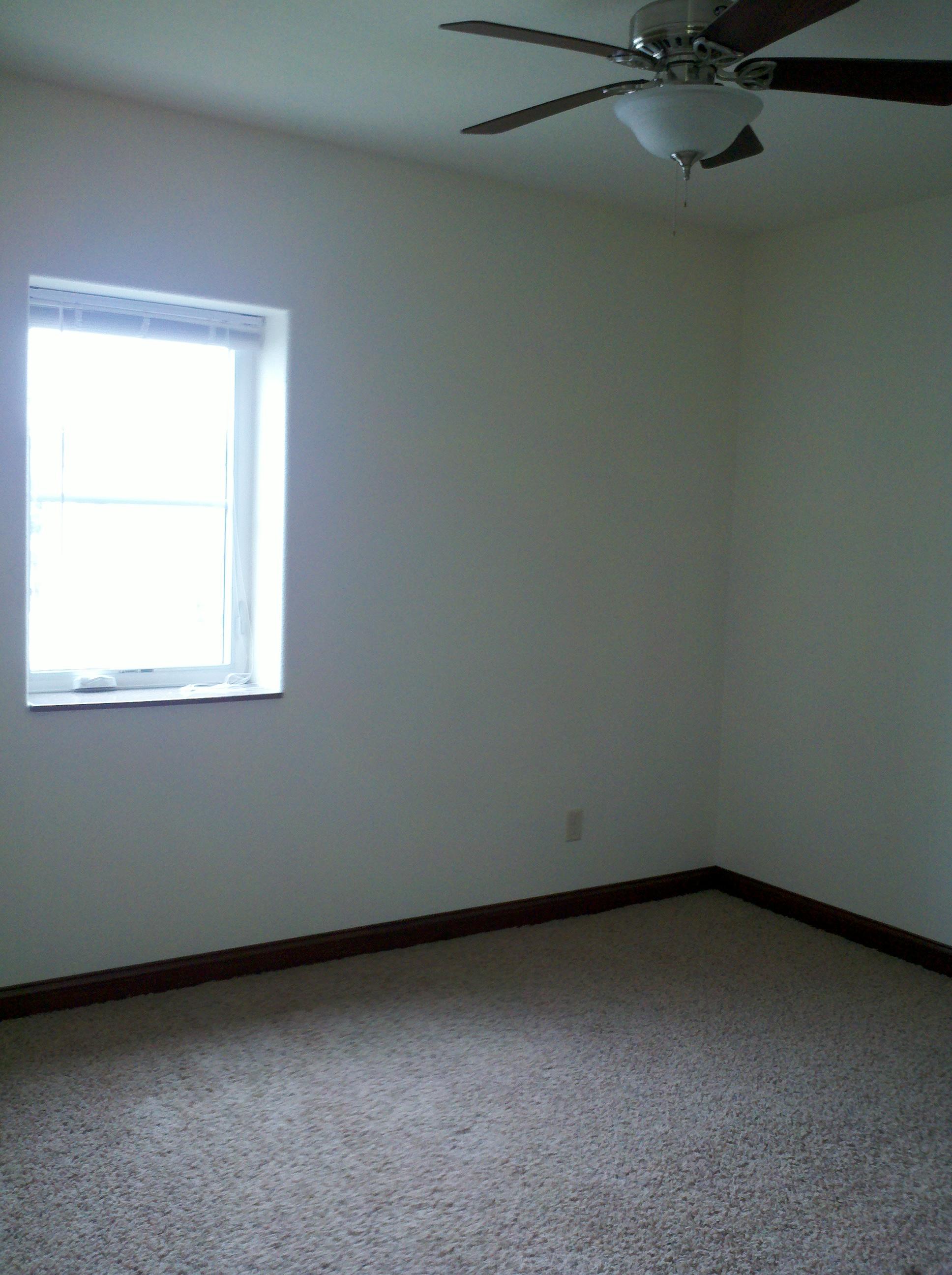 515 E College St 3 4 1 Bedroom J J Real Estate