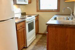 kitchen_1001_oakcrest_street_E8_iowa-city_j-and-j-apartments