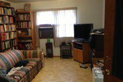 living-room_417-kimball-road_iowa-city_j-and-j-apartments