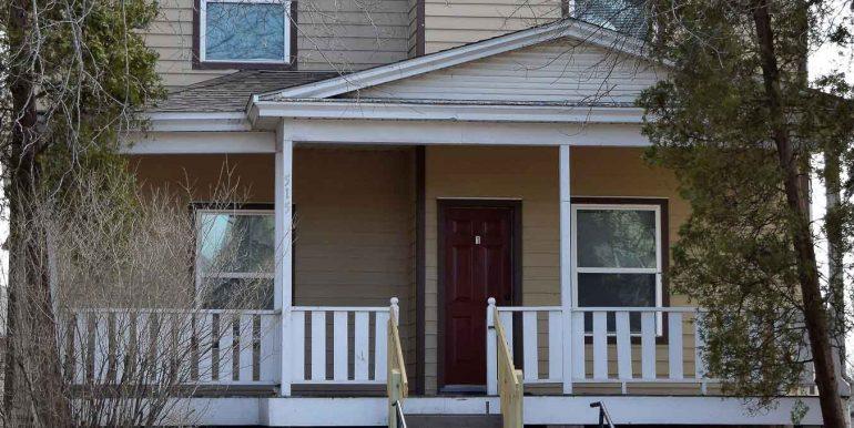 515-east-college-street_iowa-city_j-and-j-apartments