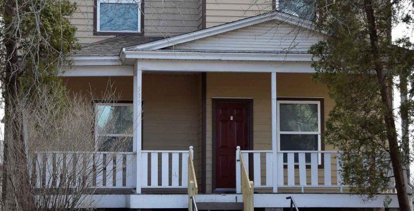 Aparatment Rental - 515 east college street - iowa city - j and j apartments