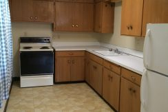kitchen_417-kimball-road_iowa-city_j-and-j-apartments
