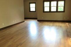 living-room_915_washington_street_iowa-city_j-and-j-apartments