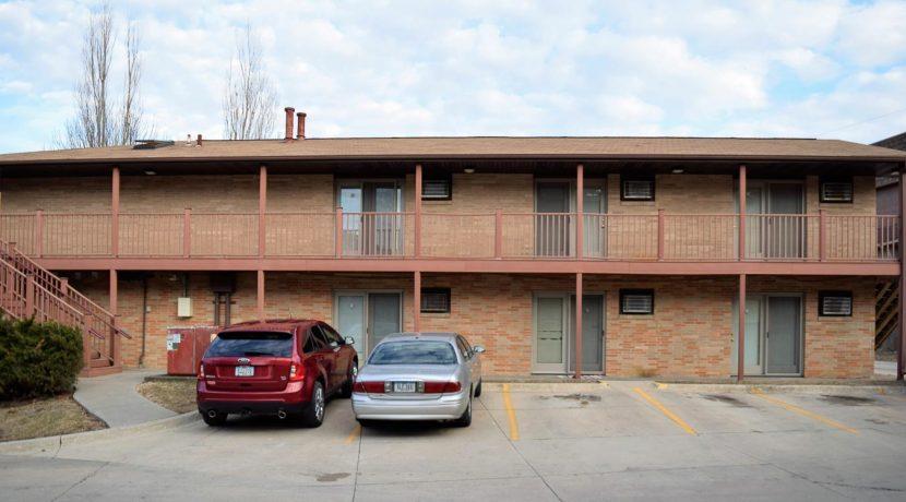 1001-oakcrest-street_iowa-city_j-and-j-apartments