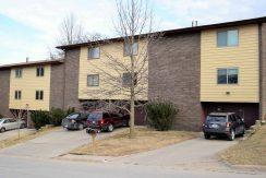 1015 g oakcrest street - iowa city - j and j apartments