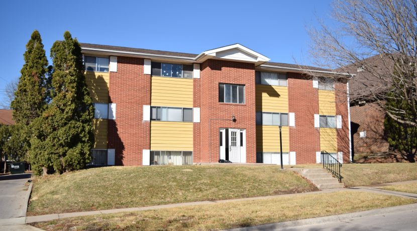 906-20th-avenue-place_coralville_j-and-j-apartments