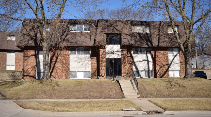 922-20th-avenue-place_coralville_j-and-j-apartments
