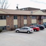 945 oakcrest street - iowa city - j and j apartments