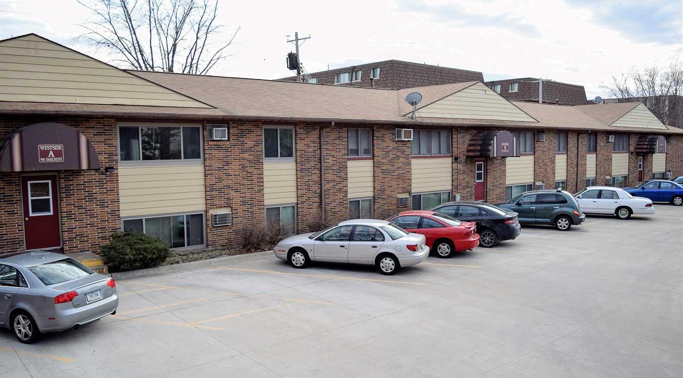 1 bedroom apartments iowa city. 945 oakcrest st. #a1 \u2013 1 bedroom apartments iowa city o