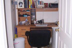 bonus-room_612-south-clinton-street-2_iowa-city_j-and-j-apartments