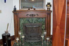 fireplace_612-south-clinton-street-2_iowa-city_j-and-j-apartments