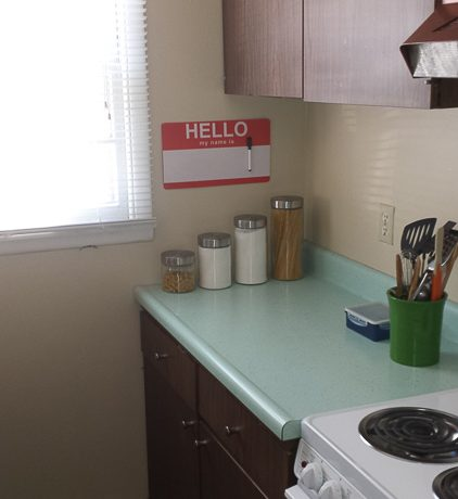 kitchen_1001-oakcrest-street_iowa-city_j-and-j-apartments
