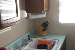 kitchen_1001-oakcrest-street_iowa-city_j-and-j-apartments(1)