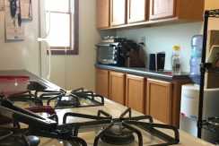 kitchen2_114-wright_iowa-city_j-and-j-apartments
