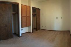 bedroom_114-wright-1_iowa-city_j-and-j-apartments