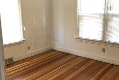 bedroom-3_619-bowery_iowa-city_j-and-j-apartments