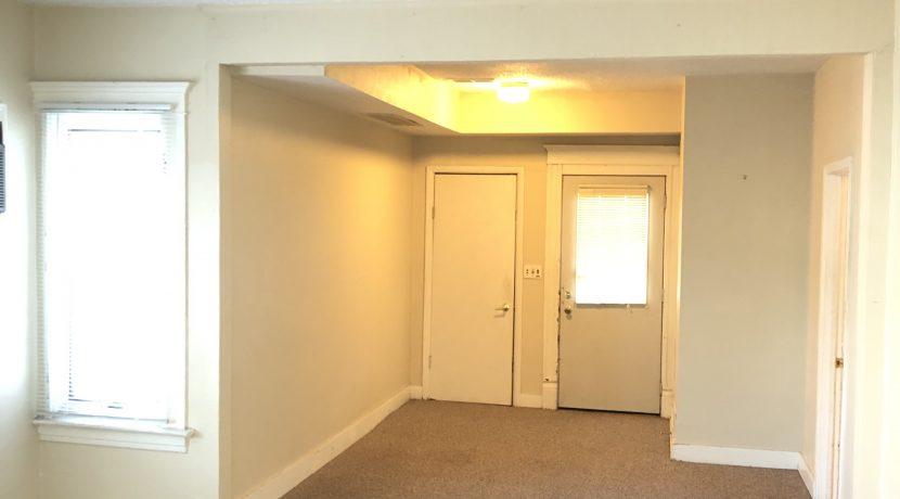 living-room_619-bowery_iowa-city_j-and-j-apartments