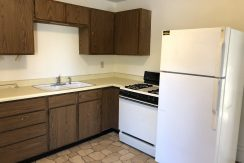 kitchen_619-bowery-2_iowa-city_j-and-j-apartments