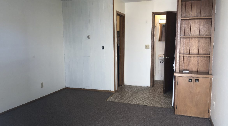 634-south-johnson_iowa-city_j-and-j-apartments